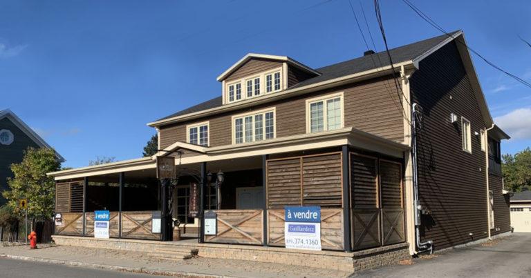 Immeuble en bois brun 2 étages au 3580, chemin de Sainte-Flore, SHAWINIGAN